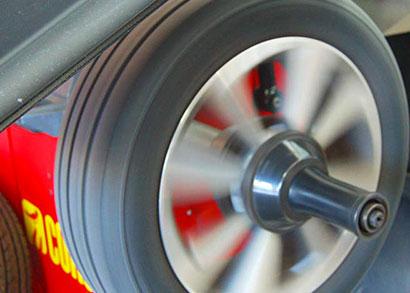 equilibratura-ruote-macchina-bibbiano-cavriago